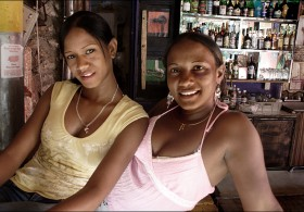 Bar girls, Soshua, D.R.