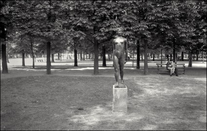 aabu, 1989, Paris, Statue and Lovers